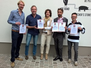 De aanwezige brouwers van De Leckere, Duits en Lauret, Maximus en Hommeles na de prijsuitreiking